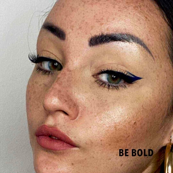 Be Bold Colorful Eyeliner 1